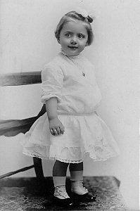 Elva, birthday, 1908